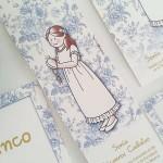 Marcapaginas flores azules personalizado . vestido María siempreloquise.com